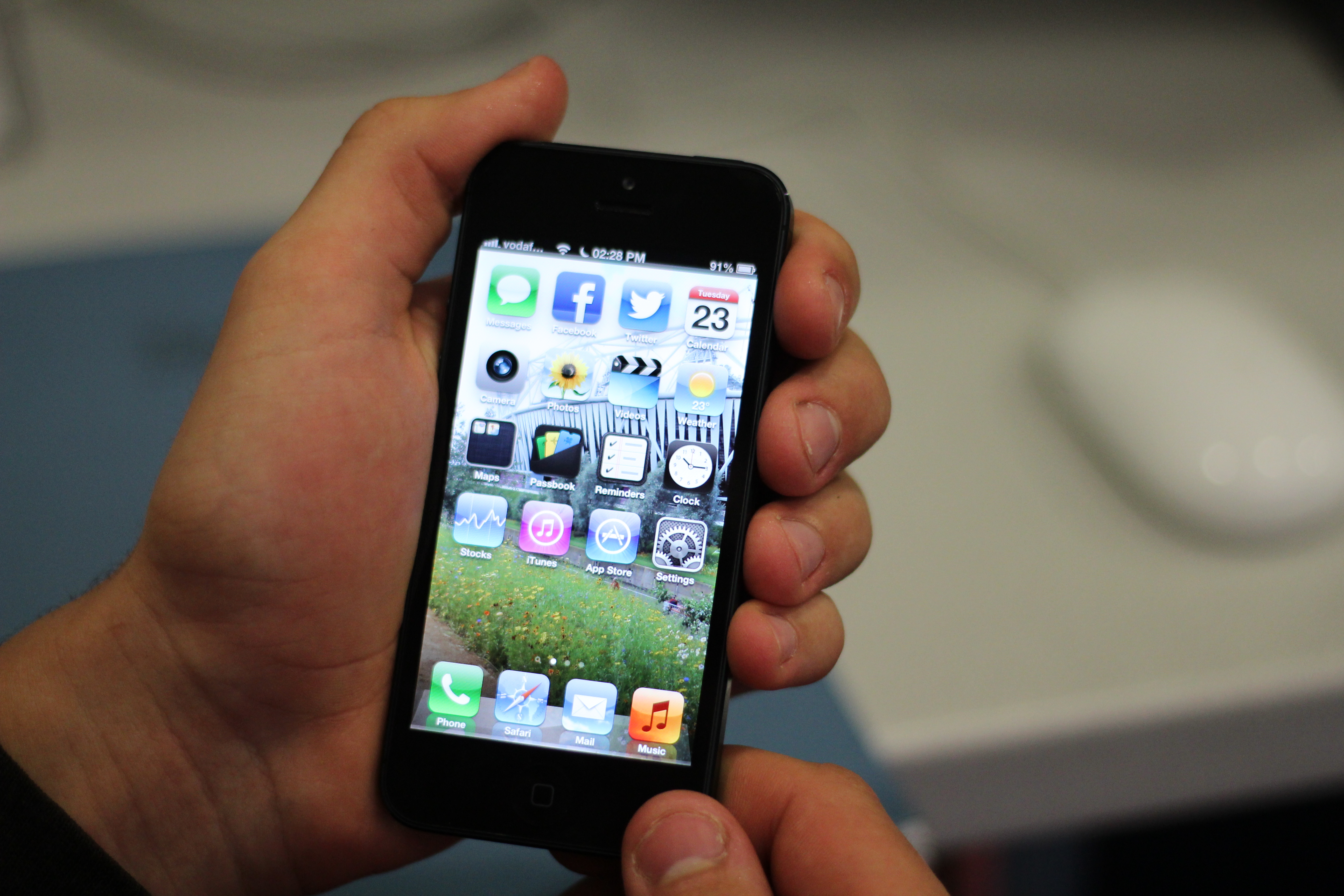 iPhone 5 review: Fast, not flawless