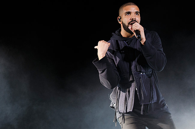 SQUAMISH, BC - AUGUST 08:  Rapper Drake performs onstage during Day 2 of Squamish Valley Music Festival on August 8, 2015 in Squamish, Canada.  (Photo by Andrew Chin/Getty Images)