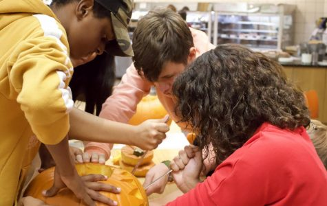 Freshman advisories compete in pumpkin carving contest