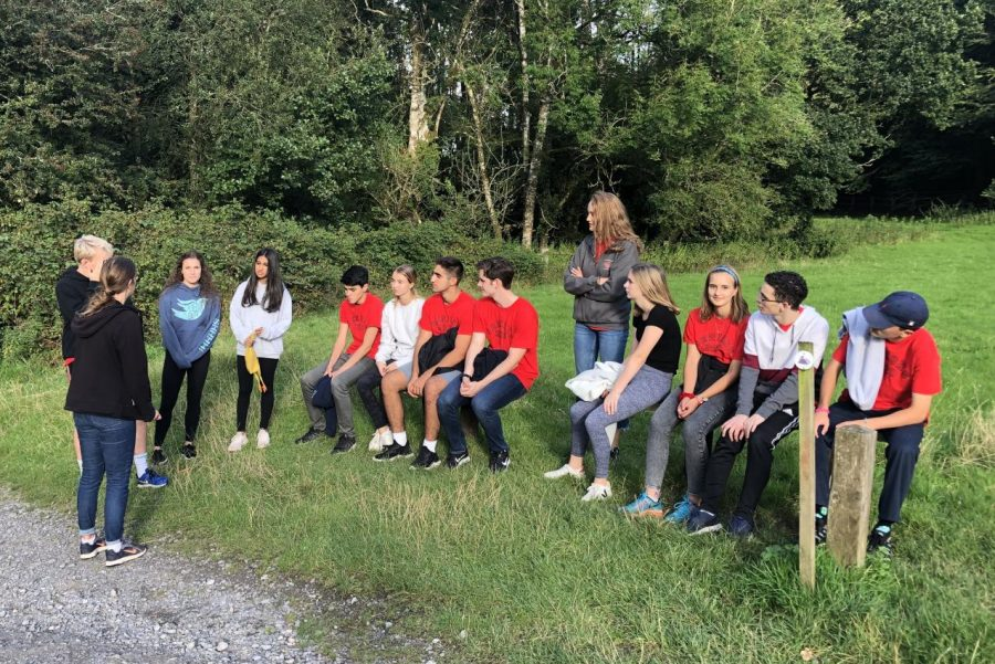 The+Peer+Leaders+gather+on+their+retreat+to+the+Welsh+country+side.+The+retreat+took+place+Aug.+30+-+Sep.+1%2C+and+is+a+tradition+to+allow+the+Peer+Leaders+to+bond+before+beginning+a+year+of+class+together.+